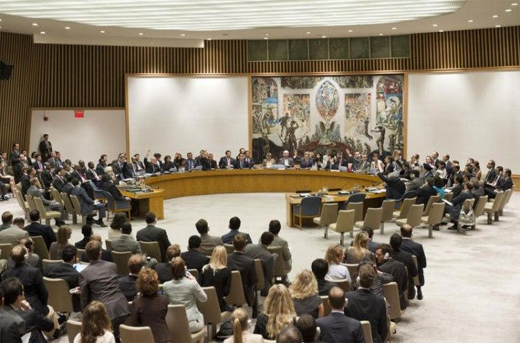Le Conseil de sécurité met aux voix un projet de résolution sur la situation en Syrie le 19 juillet 2012. ONU Photo: M. Garten.